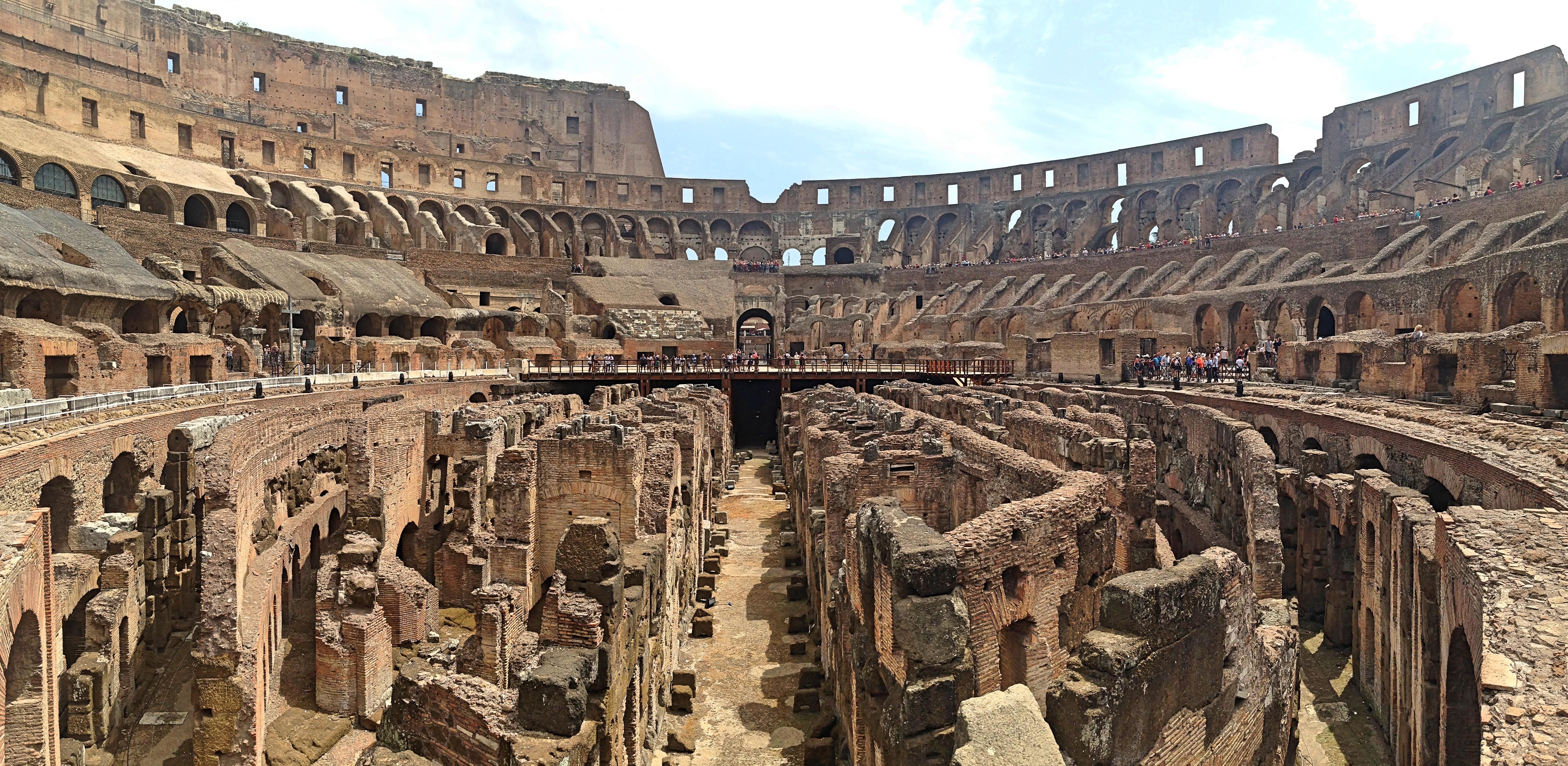 colisseum_interior