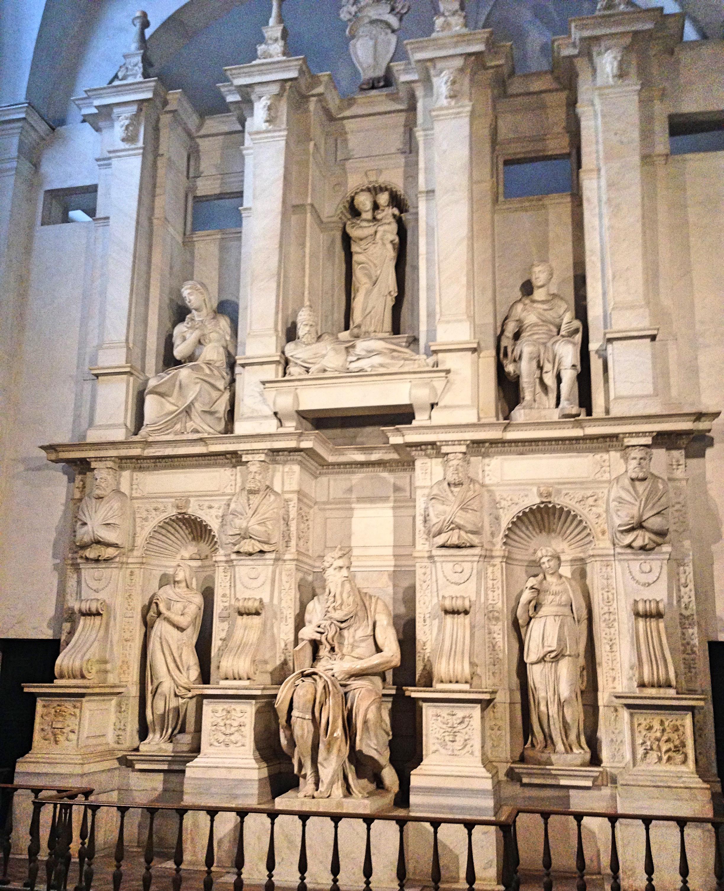 San_PietroVincoli1