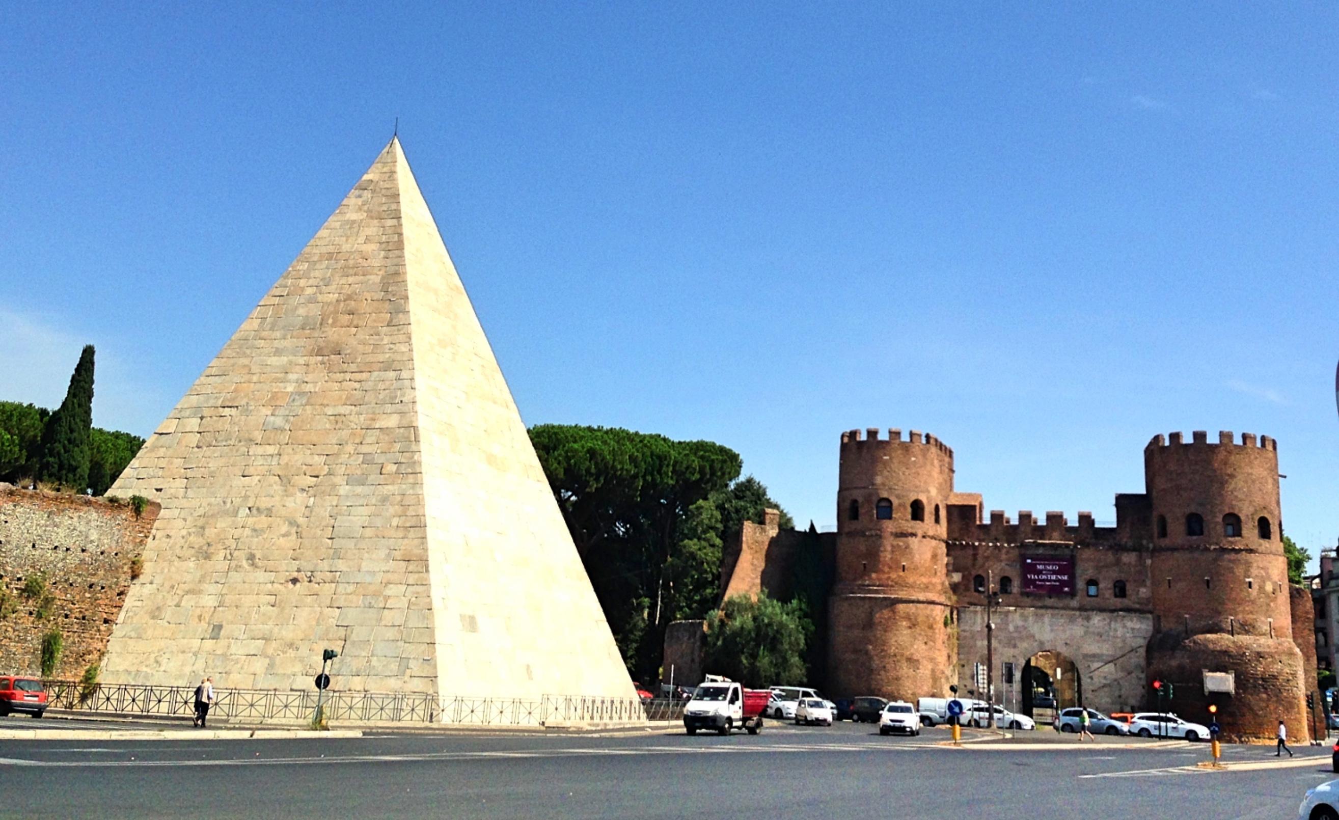 Rome_pyramid