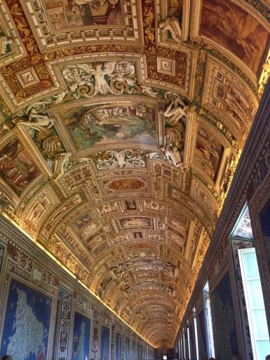 Vatican_hallway