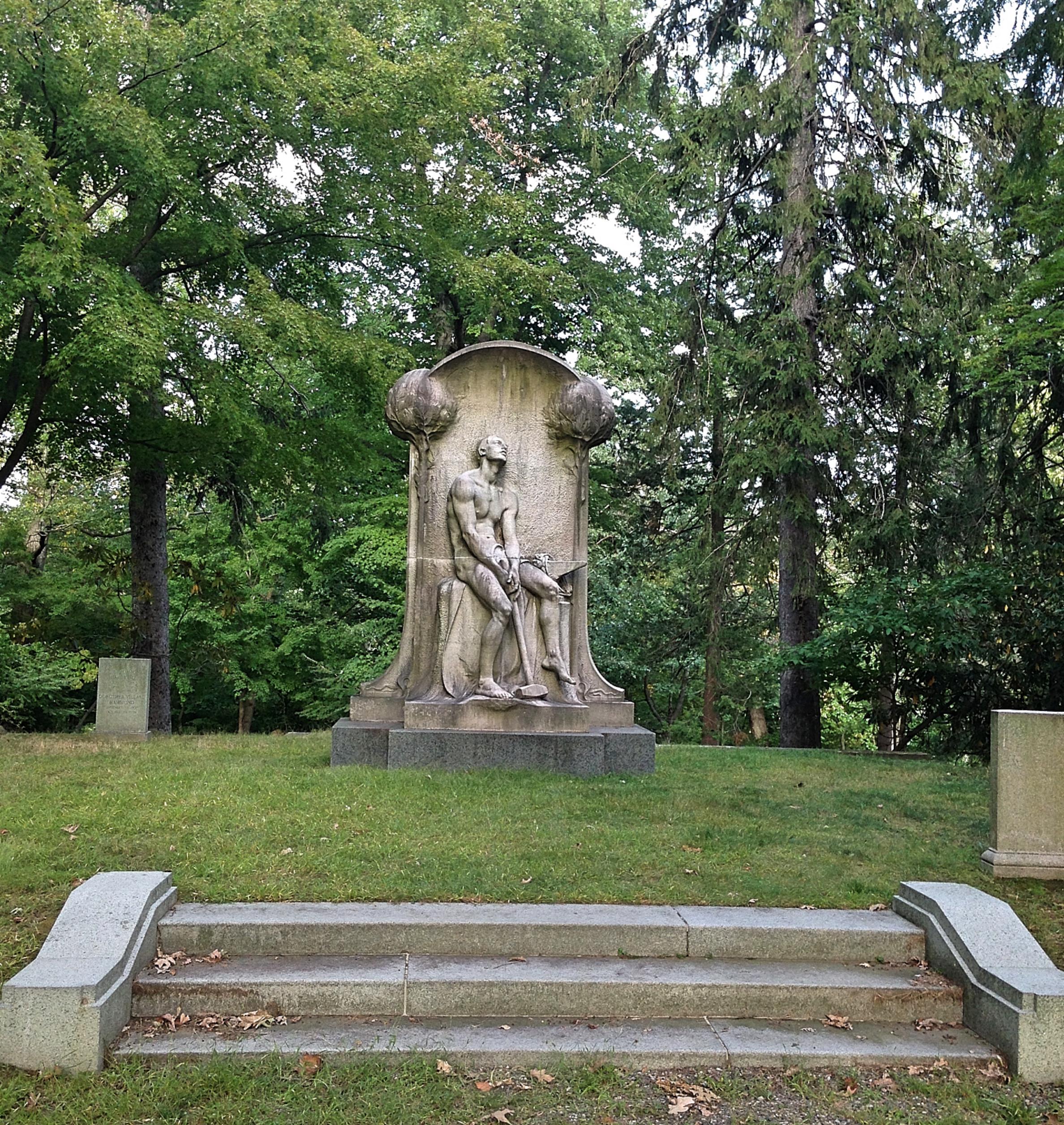 Statue Hammer
