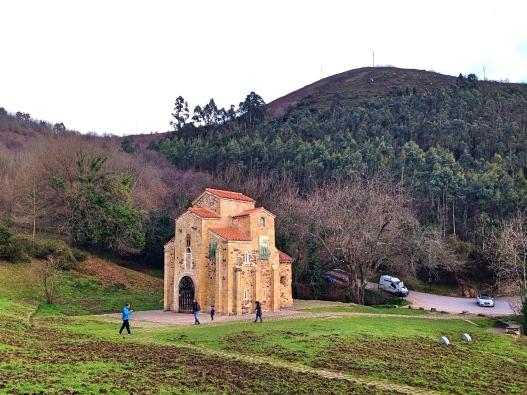 San Miguel de Lillo Distance