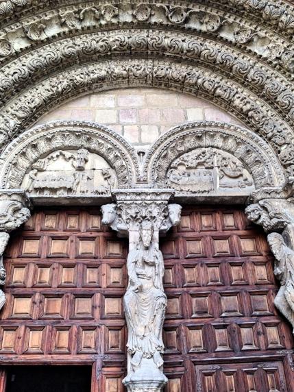 San Vicente Door