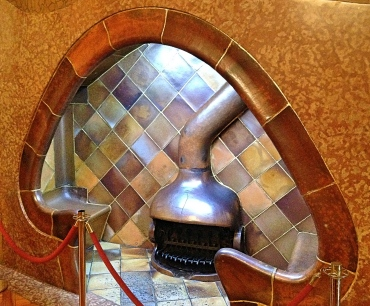 Casabatllo_fireplaceseat