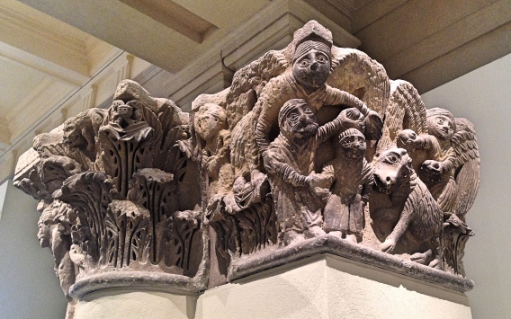 Romanesque_Capital