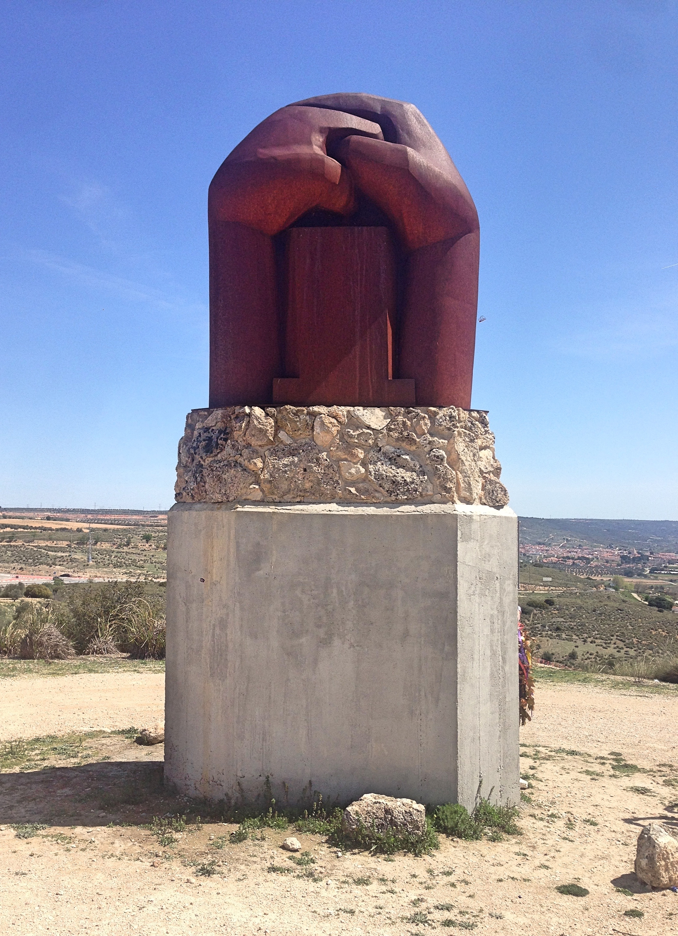 chirino_monument