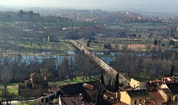 Salamanca_bridgefar