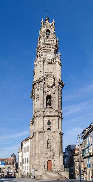 Torre_de_los_Clérigos,_Oporto,_Portugal,_2012-05-09,_DD_01