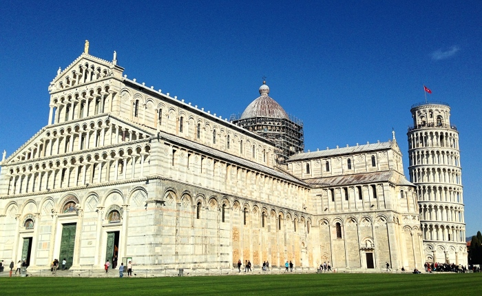Touching Tuscany: Pisa