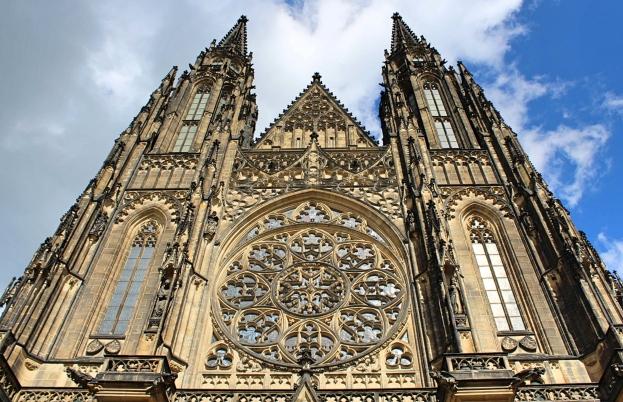 Prague_cathedralfacade
