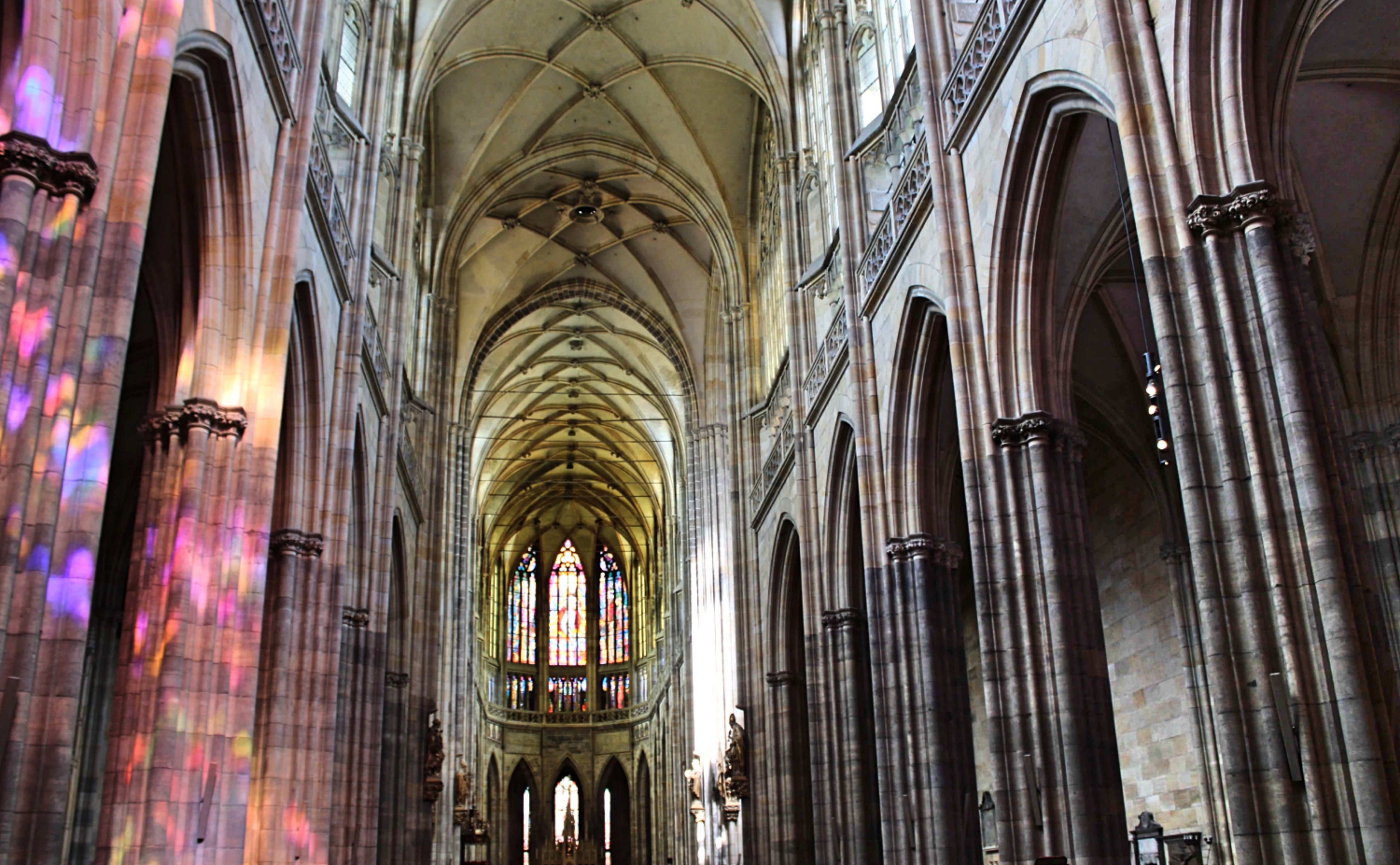 Prague_cathedralinside