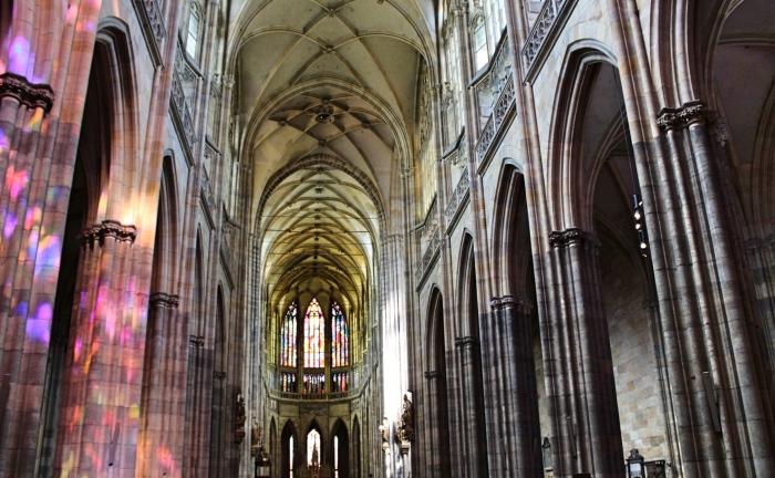 Prague_cathedralinside