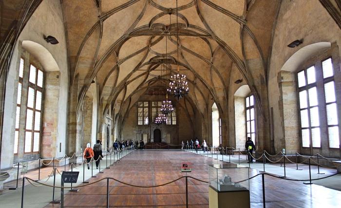 Prague_hall