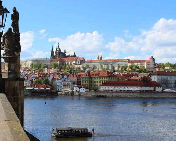 Praguecastle_bridge