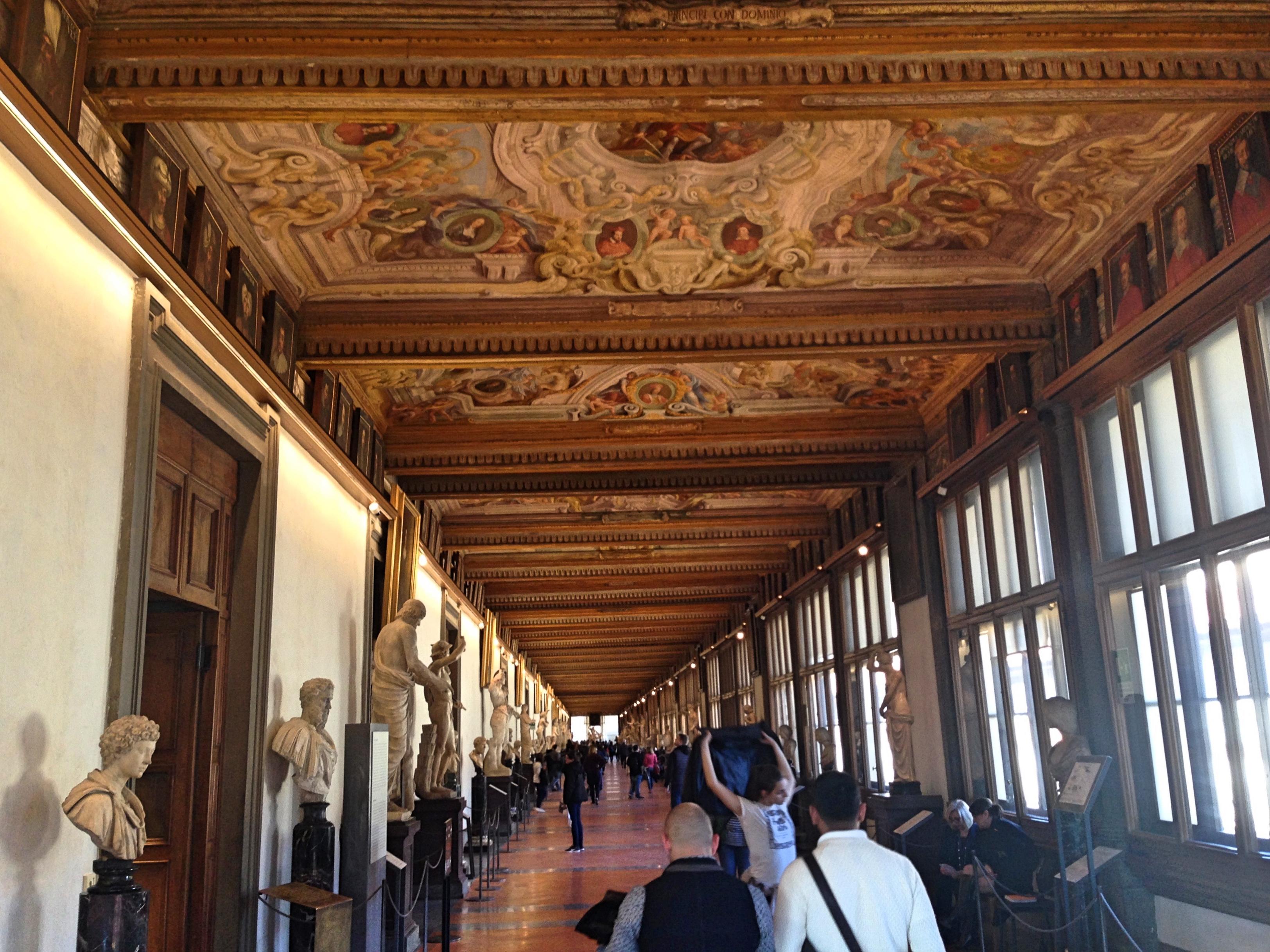 Uffizi_hallway