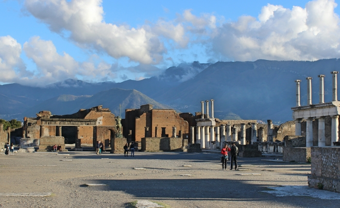 Ancient Cities: Naples and Pompeii